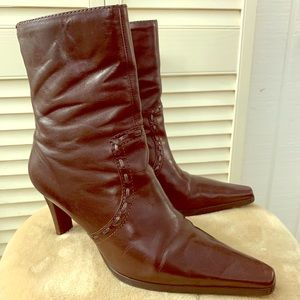 UNISA KEITH Leather Ankle Zipper Pointy Heel Boots